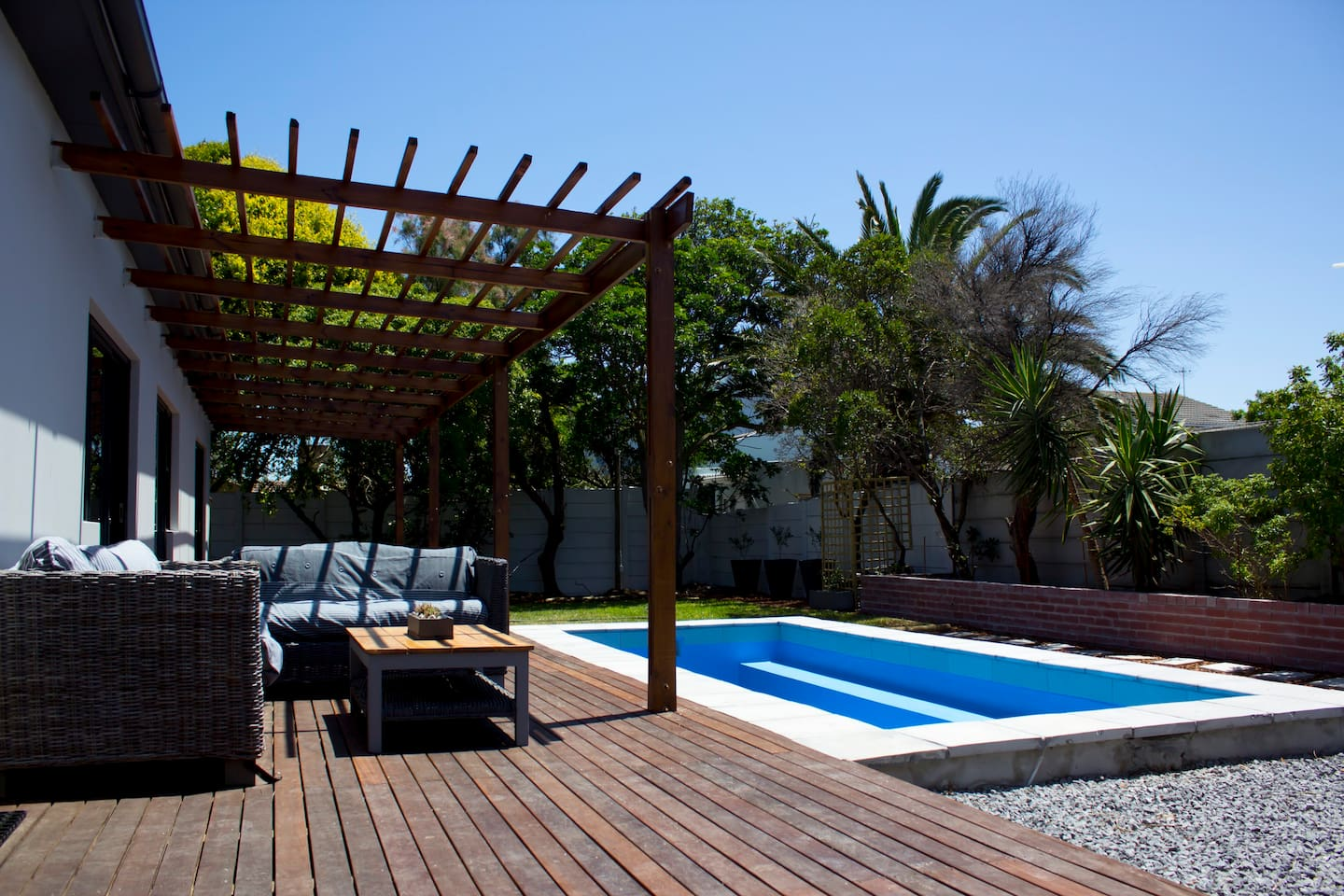 Outside deck and swimming pool