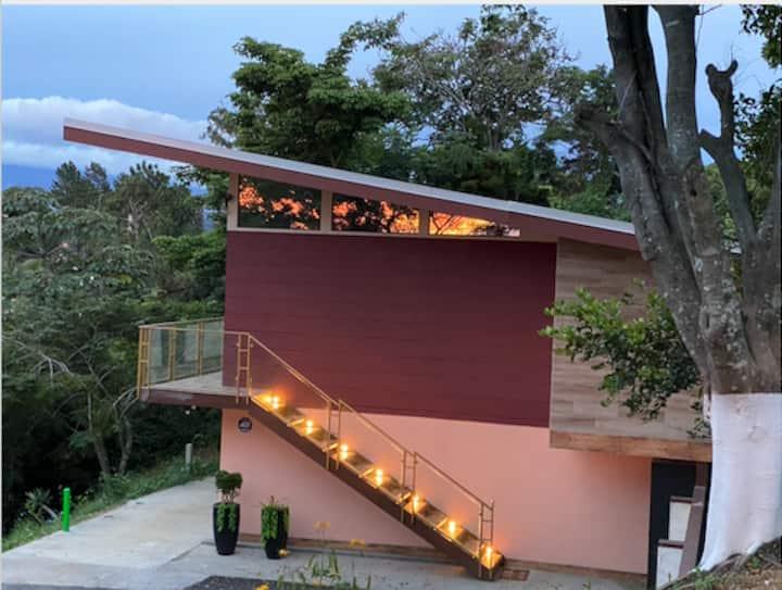 Studio with stunning views in Piedades, Santa Ana
