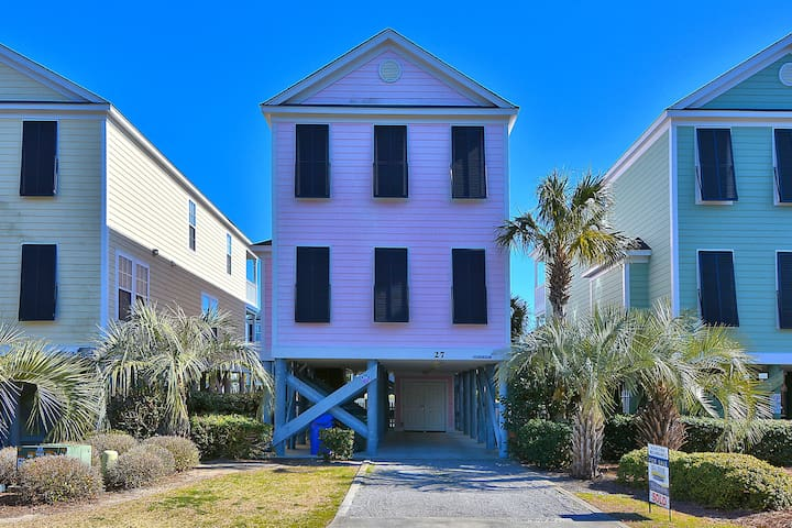Pink Paradise a Pink Paradise, Beautiful 5 bedroom Home with a Private Pool, PET FRIENDLY - Surfside Beach