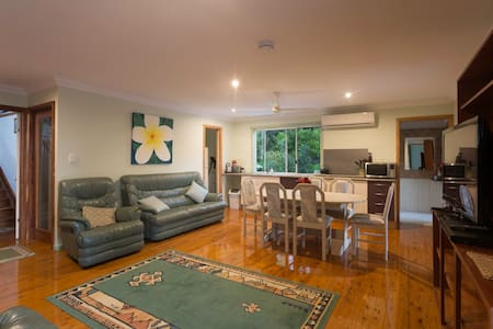 3 Bedroom self contained flat - Mt Mellum