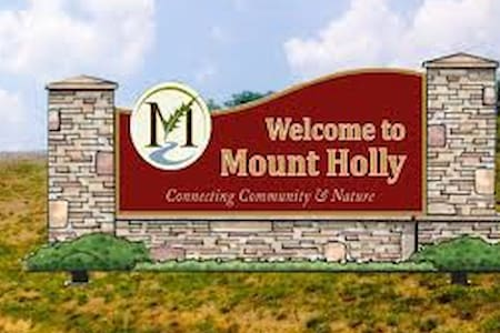 Famous Mt Holly! The Place! - Mount Holly - 獨棟