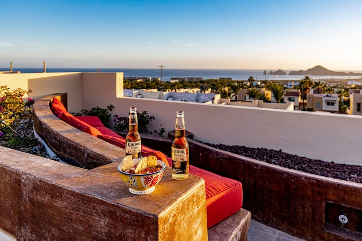 ⭐️   Super Deal +Modern & Homey + Private Rooftop with Stunning Ocean Views ! 6 pax