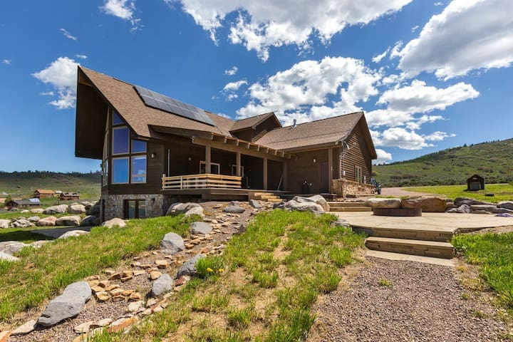 Peaceful mountain retreat near Steamboat - Oak Creek