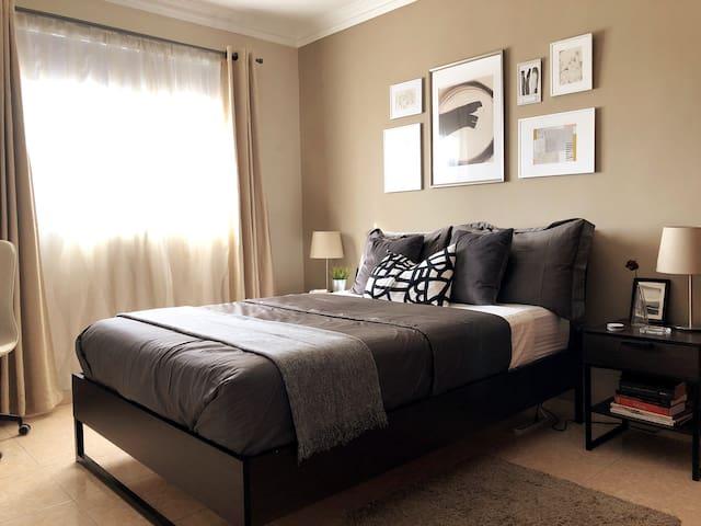 Chic and cozy bedroom near Mirador Sur + Malecon