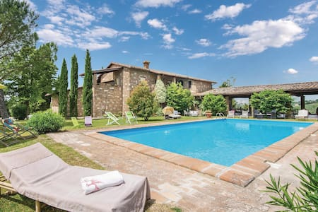 Semi-Detached with 2 bedrooms on 110m² in Montebuono