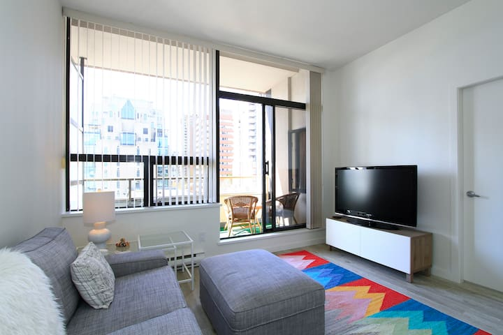 Walk Everywhere! Sunny 1Br Downtown Vancouver