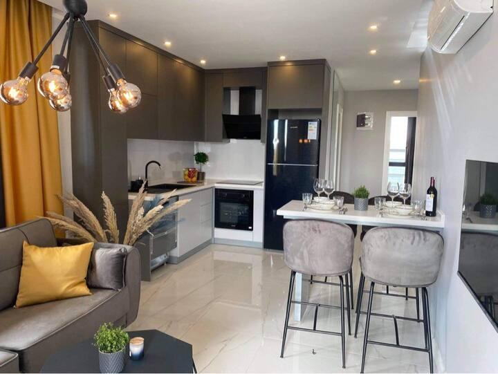 Lyxig lägenhet med havsutsikt & jaccuzzi