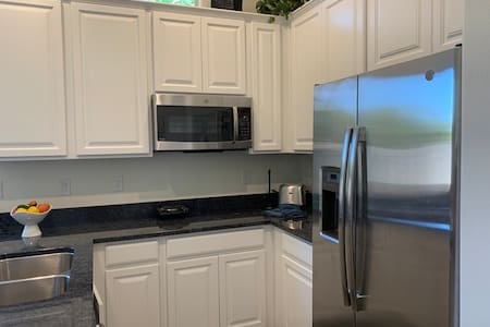 Beautiful 1 Bedroom attached Apartment