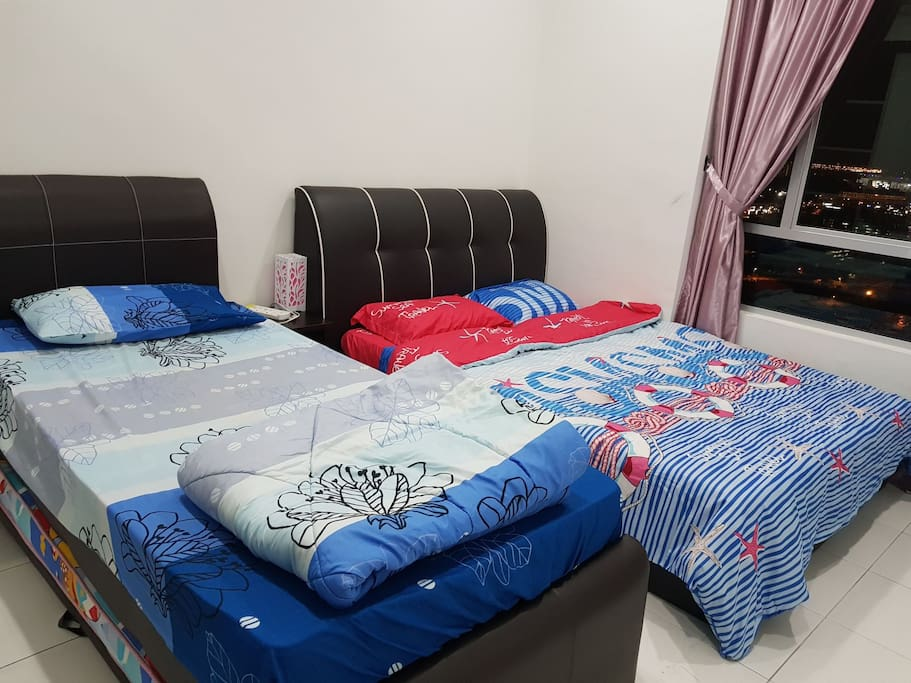 Master Room with Bathroom - 1Queen Bed & 1Single Bed