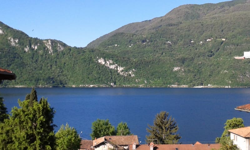 LE COLOMBINE lake and mountains