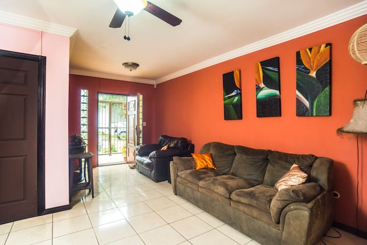 Modern Town Home in the Heart of Escazu - NEW!!!