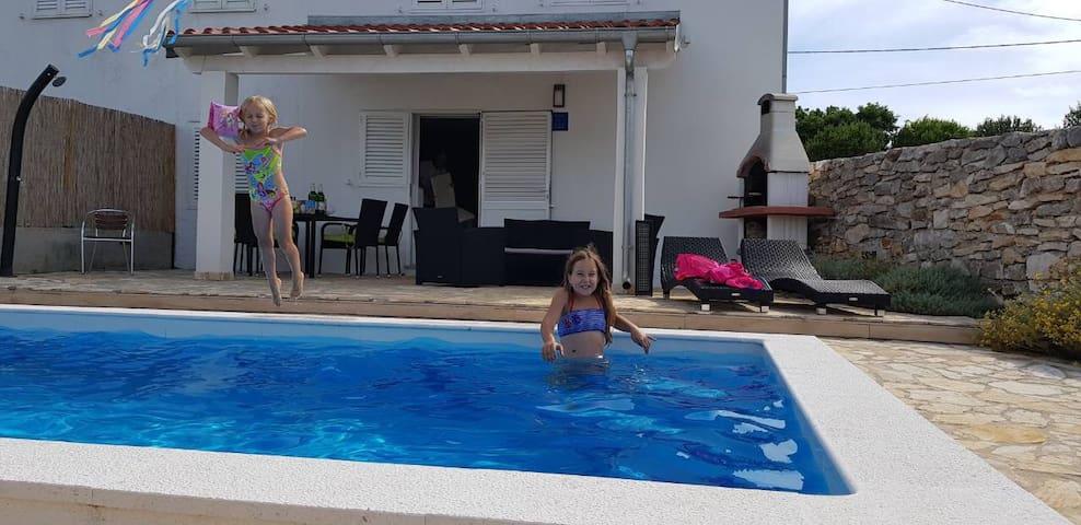 House Sakarun with swimming pool