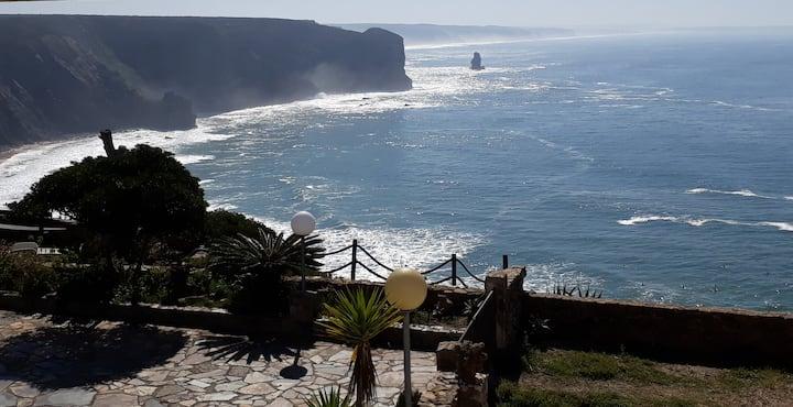 """BEACH ROOM_ """"Praia Arrifana"""" Férias de Sonho"""