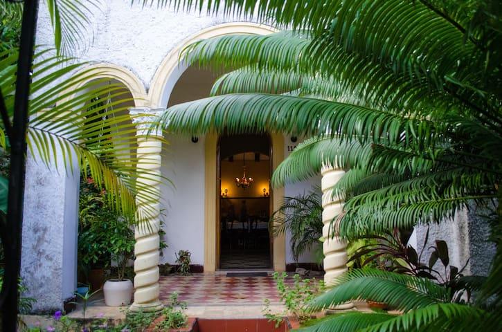 Villa Nenita Colonial House