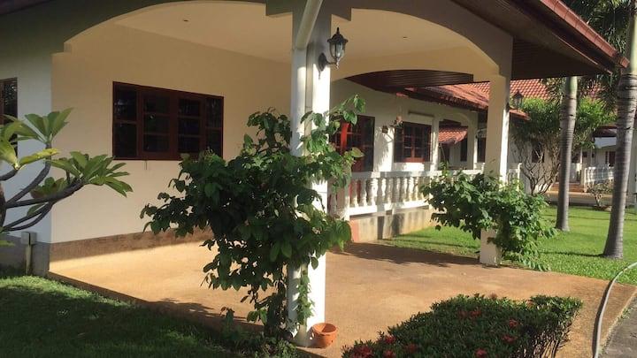 Pranburi Beach Village, holiday villa
