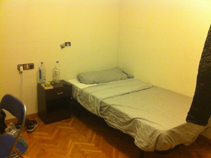 Beautiful room center Salamanca