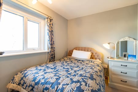 Cosy double room close to beach