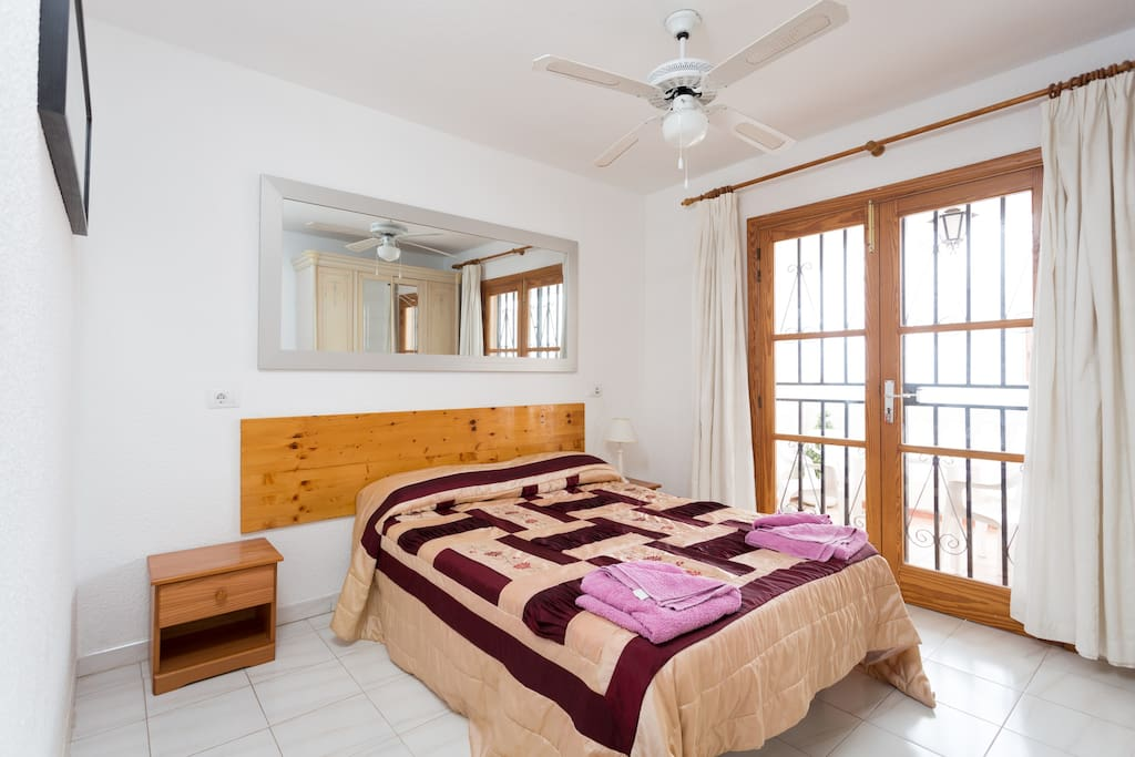 the double bedroom, with private bathroom and access to the balcony...lovely