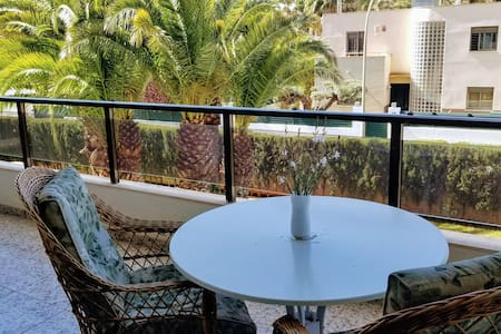 Magnificent apartment 75m from the beach