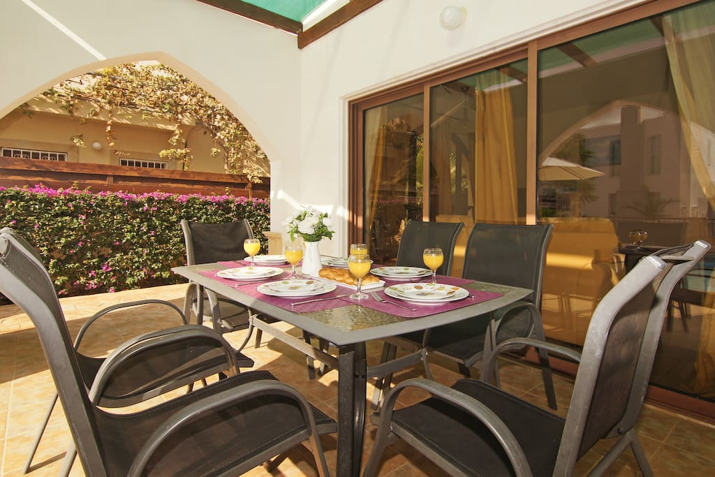 Veranda for al-fresco dining