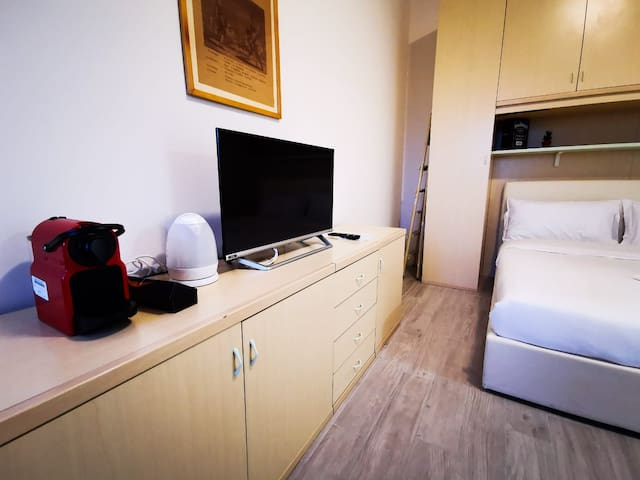 LITTLE SUITE 20 MINUTES FROM DUOMO BY METRO