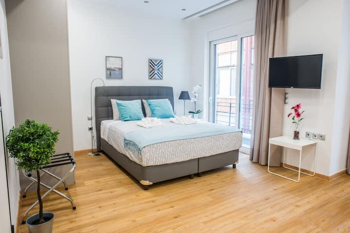 A25 Pristine Suite with cute balcony right @center