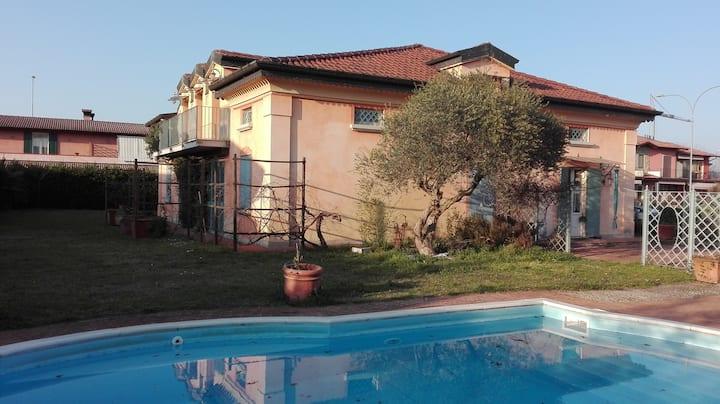 Vivere in campagna - Villa a Dello (BS)