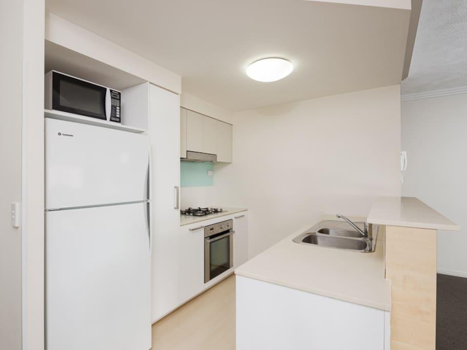 Fully equipped kitchen w dishwasher, full size fridge etc.