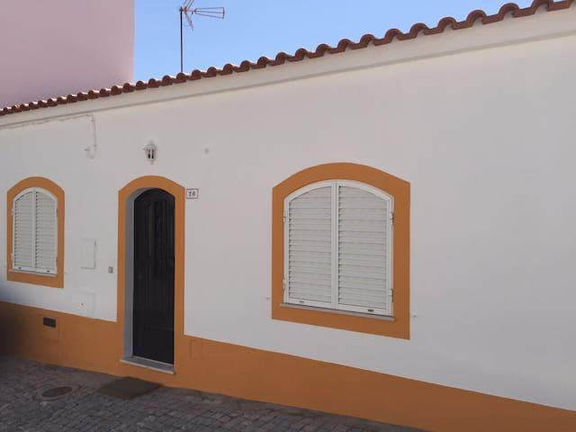 Traditional house in Algarve - Alcantarilha - Huis