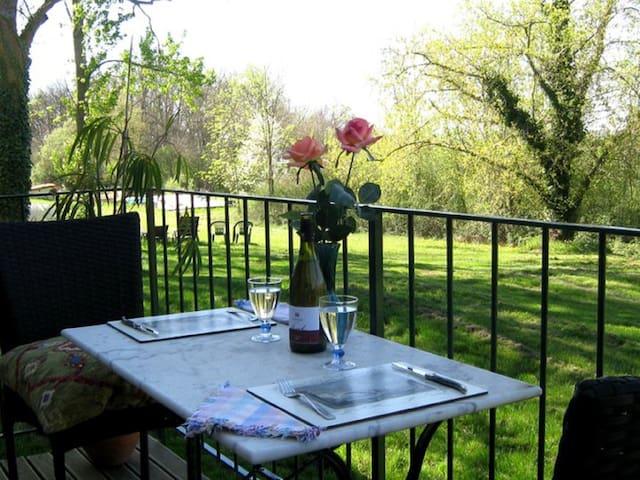 1 Bdr Apt with private patio - Pamiers - Muu