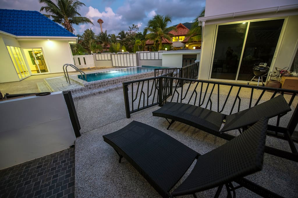 Private Sun Bed Area W/ Safety Gate