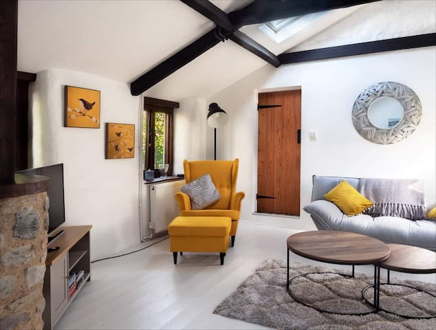 Beautifully refurbished, 200 year old cottage.