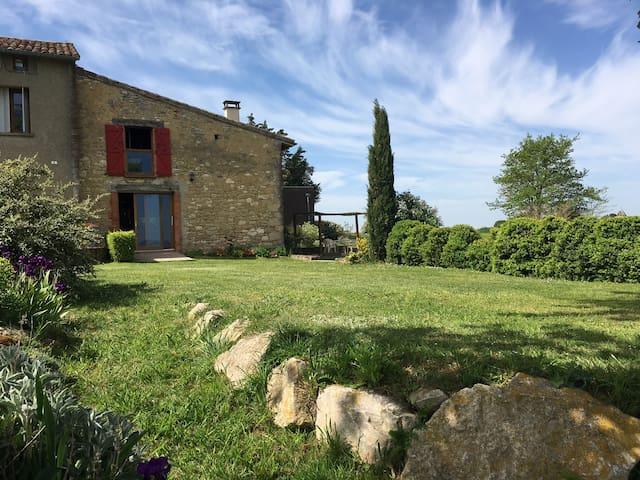 Maison en pierres avec piscine - Mourvilles-Hautes - Casa