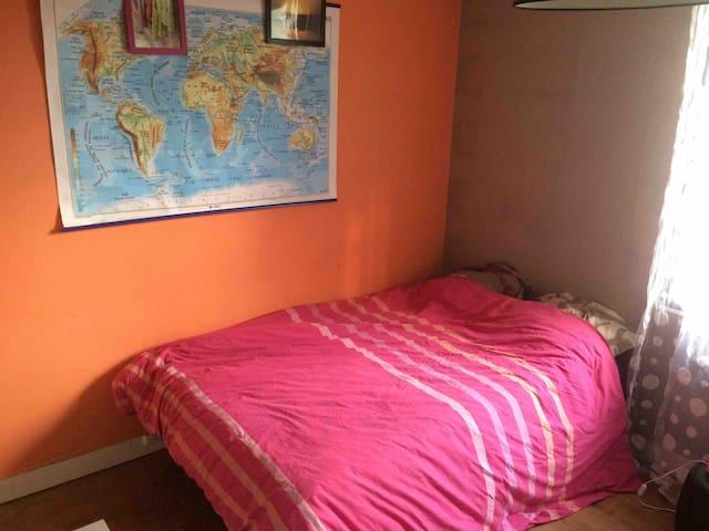 Jolie chambre dans maison individuelle àVillejuif