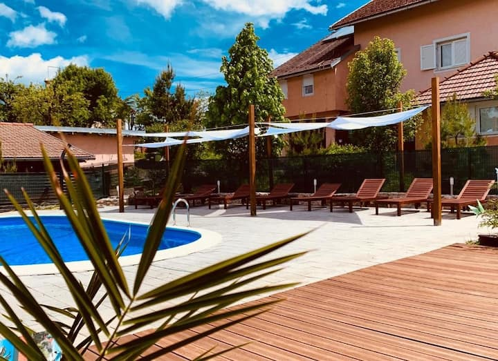 Apartments and Rooms Sanja with Shared Pool / Room Sanja 6 with shared pool