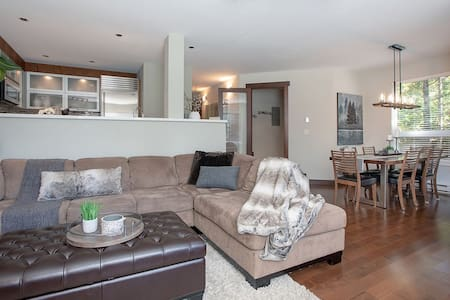 *Luxury 2BR/2BA Townhouse in the Benchlands*