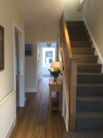 Delightful spacious three bedroom house in Keswick - Keswick - House