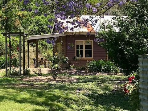 Tooralai Cottage - a garden retreat