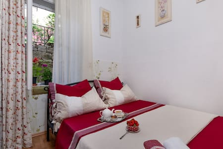EZEKIEL Room - gourmet & rental - Split