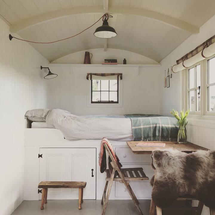 Potters Brook Shepherd's Hut – Lancashire