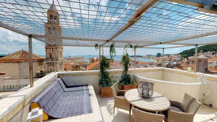Penthouse Augubio with unique panoramic city view