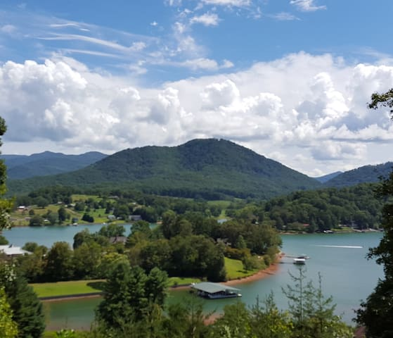#185  NEW IN HEART OF NC MOUNTAINS! - Hayesville - Apartamento