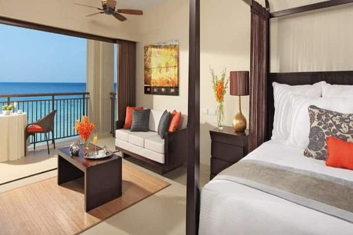 Modest Junior Suite Ocean View Two Double Beds At Montego Bay