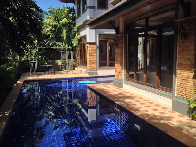 Villa in boat lagoon Marina Phuket - Phuket - Hus