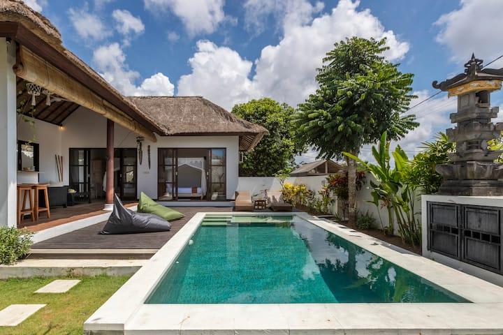 Peaceful Balinese Villa with Private Pool ULUWATU