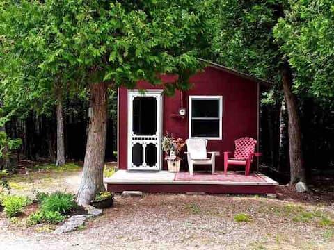 Thoreau's Eco-Cabin (3 nights minimum)