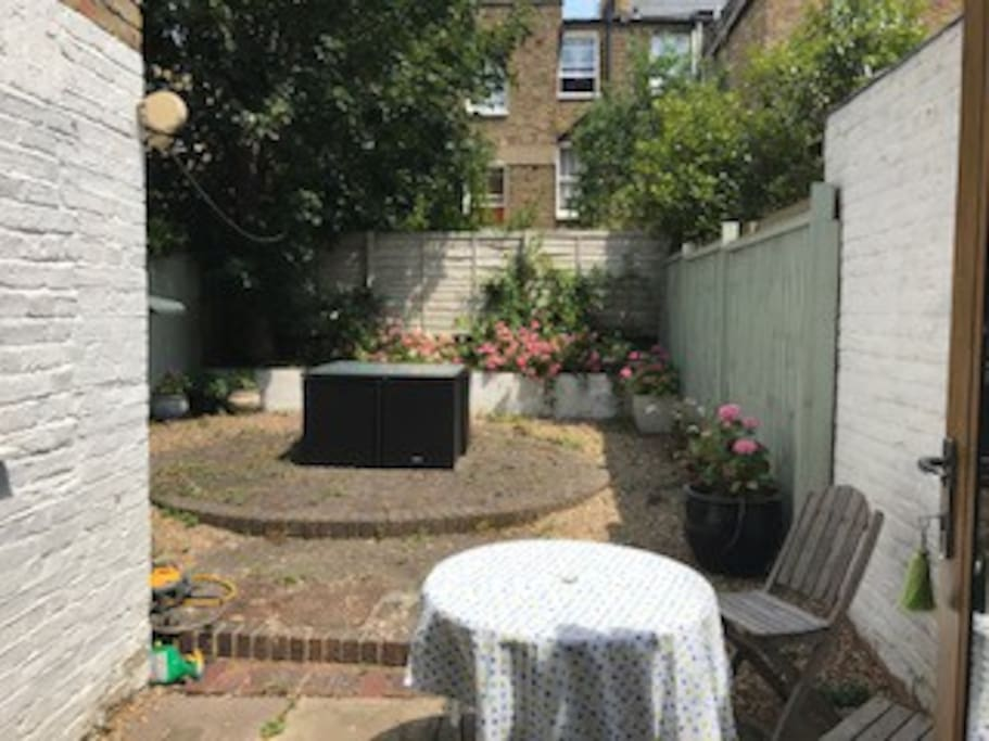 Large 6.53 x 5.54 Garden with Garden furniture that seats 8 (cushions in shed)