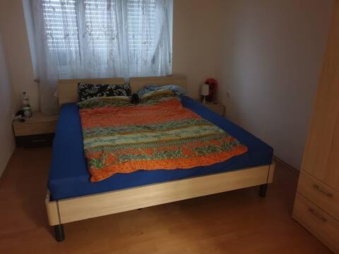 Privatzimmer in Wohnung - Gastgeber Dario