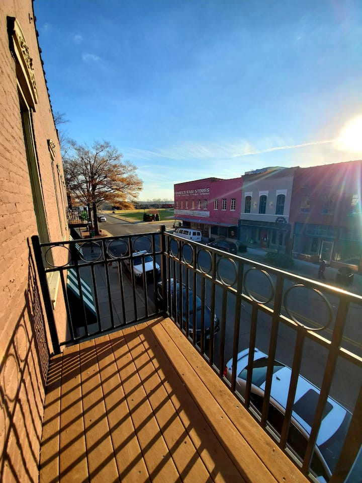 Red Fox Inn Condo in Historic Downtown Paducah