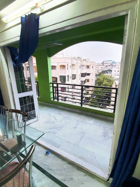 Huge 3BHK Doctor Owned Flat in the Heart Hyderabad